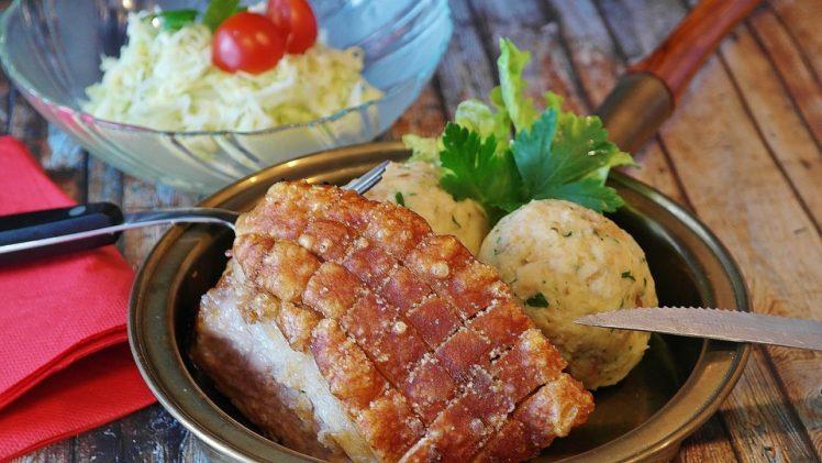 Recipe: Quick & Easy Apple Pork Roast